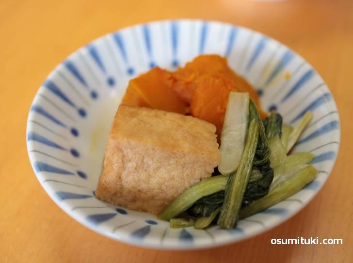 野菜煮は京都らしいアッサリ味付けです