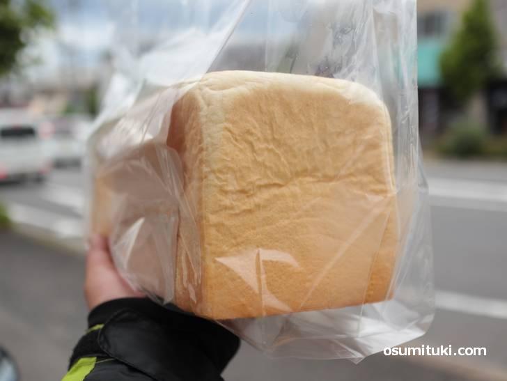 ふじ岡の高級生食パン、モッチリふんわりやわらか~い食パンです