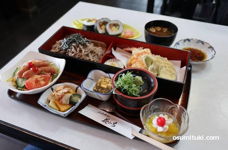 1000円未満のボリュームランチは平日と土曜日のランチで提供されています