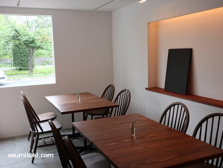 落ち着いた雰囲気でレストランみたいですがカフェです(Lignum)