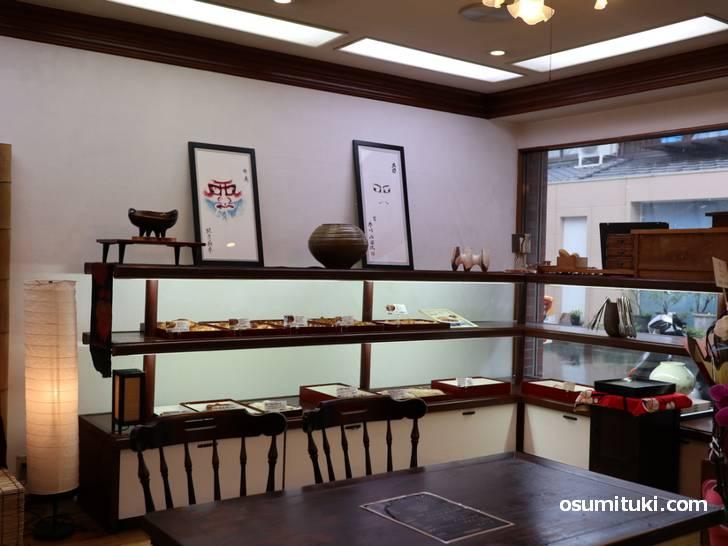 店内に入るとあるのが「ぱん屋LeuCocoRyne」でクロワッサン準専門店です