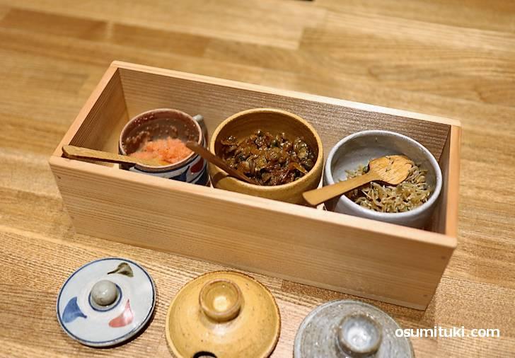 ご飯のお供は3種類(ちりめん山椒、明太子、佃煮)