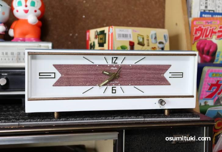時計はだいたい「Rhythm(リズム時計)」でした