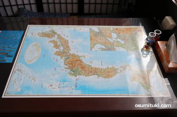 ネットはないので世界を知るのは新聞か世界地図でした