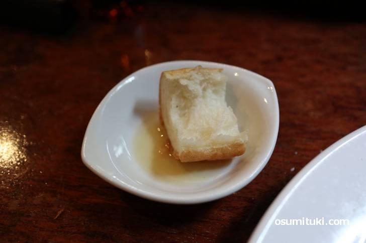 パンはゴマ油で食べます!