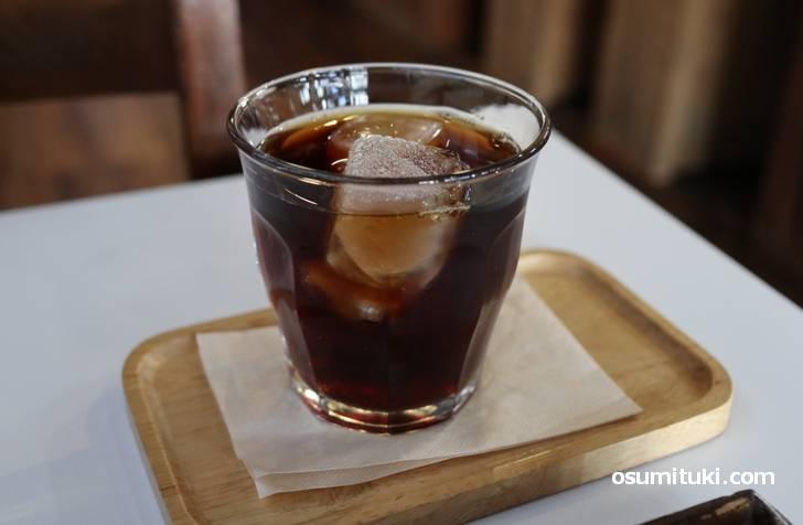 コーヒーは450円、ホットとアイスは同じ値段です