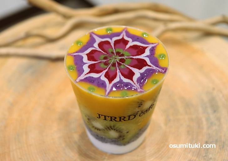 JTRRD cafe(大阪市北区)美味しい!芸術スムージーが『オモウマい店』で紹介