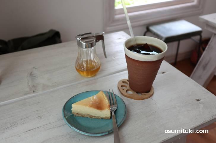 長野の草原でカフェしているかのように見えますが滋賀県大津市です
