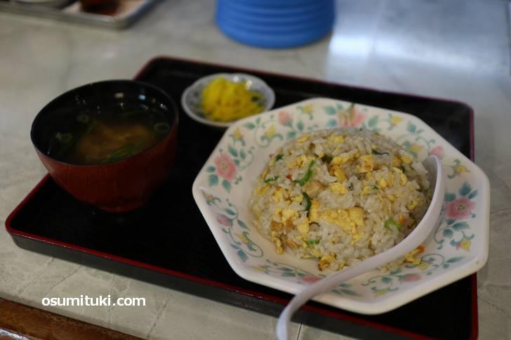京都で食べたバリバリ中華味のチャーハン(一来一来)