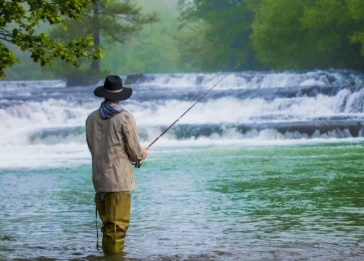 乃木坂46が北茨城市で渓流釣り