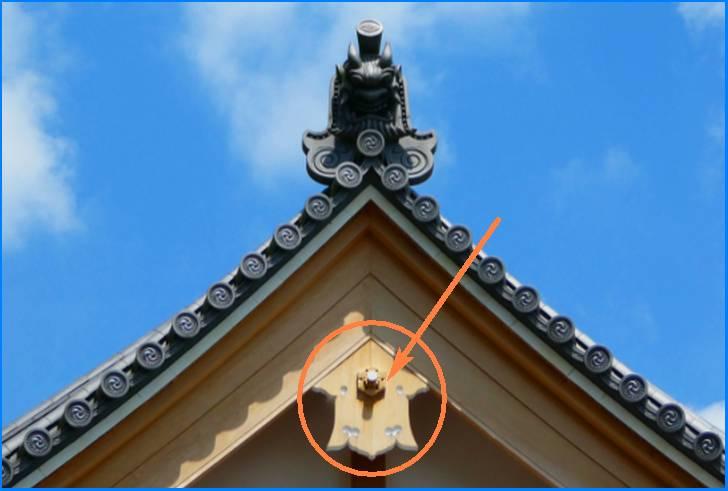 懸魚(げぎょ)は寺社仏閣でも多く見るので珍しくはありません