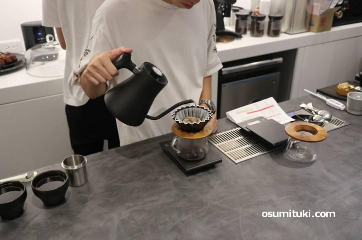 今回はハンドドリップコーヒーをいただきます