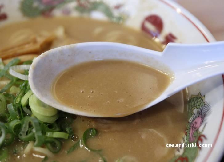 誤差の範囲かもしれせんがスープが濃いです