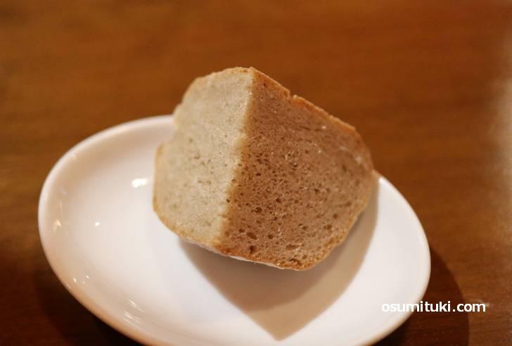 パンはモチッとして美味しいです