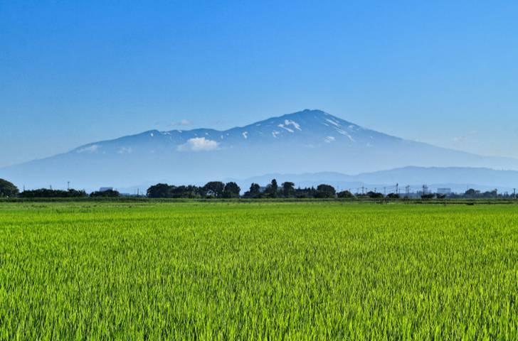 山形県は全国9位の広さで山川に囲まれた土地です
