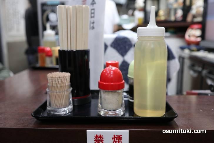 近江ちゃんぽんは酢で食べるもので甘味が引き出されてます