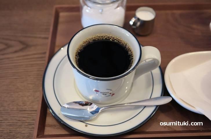 コーヒーは深めですがブラックでも飲みやすいです