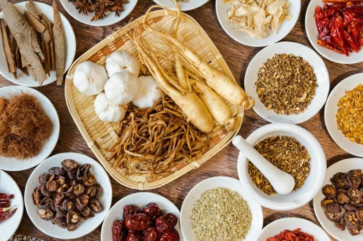 漢方の食材を使った薬膳ラーメンもヴィーガンラーメンのひとつ