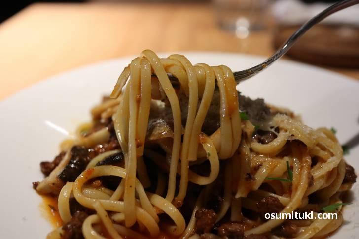 リングイネはもちもちの太麺です