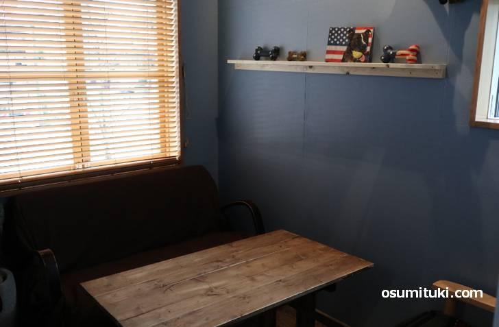 個室っぽいソファ席もありました