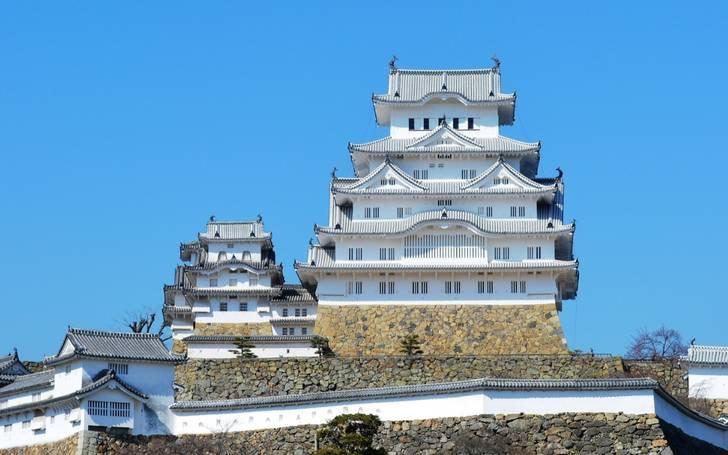 姫路城のすぐ近くに世界一短い「境橋」がある