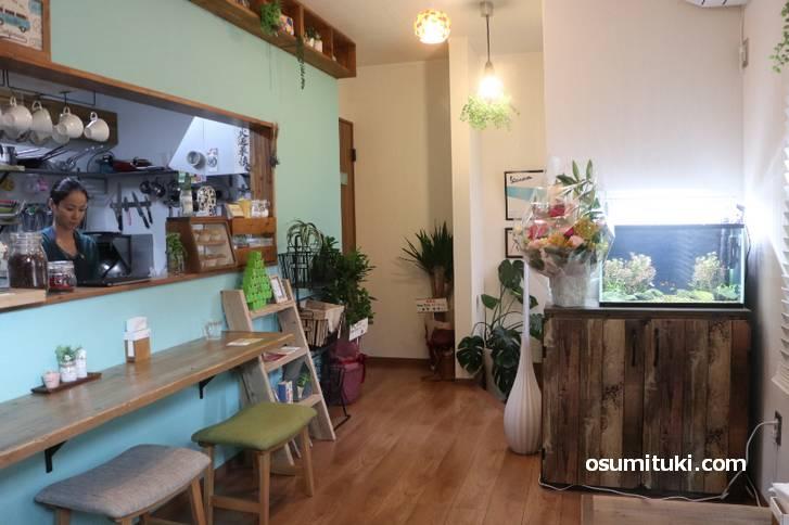 店内はシッカリとカフェになっています