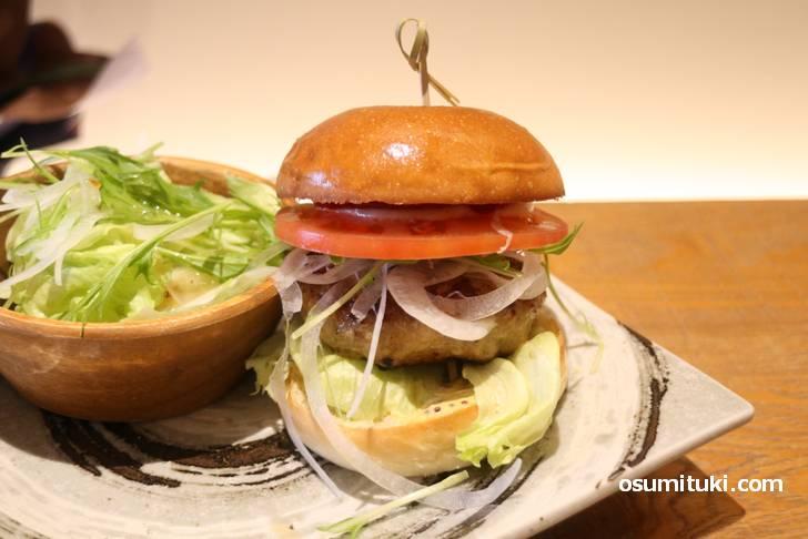 京都ぽーく100%ハンバーガーのお店です