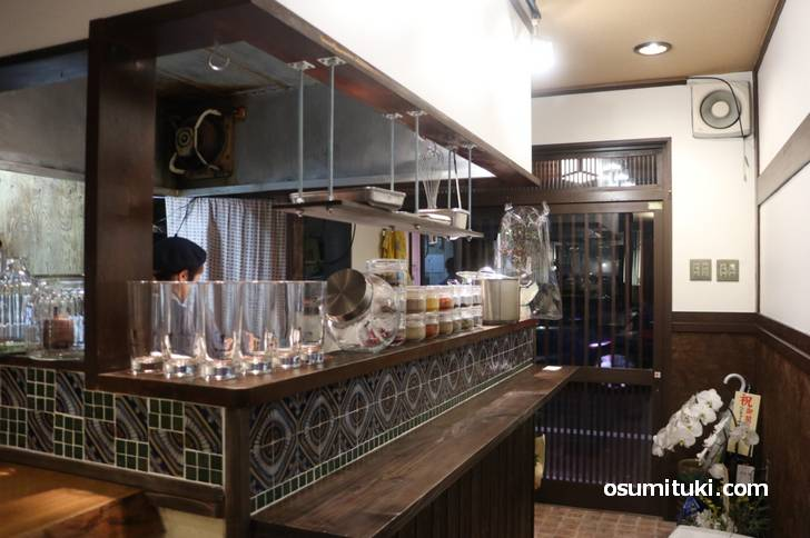 2019年11月29日オープン 謹製咖喱酒舗アムリタ