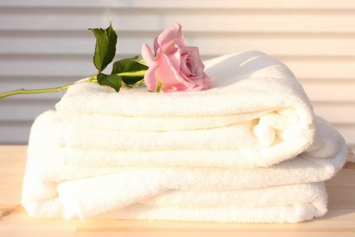 バスタオルは白いものが汚れの具合がわかってオススメです