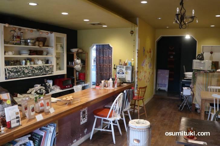 パンと喫茶 ポポロさん、いい雰囲気のカフェです