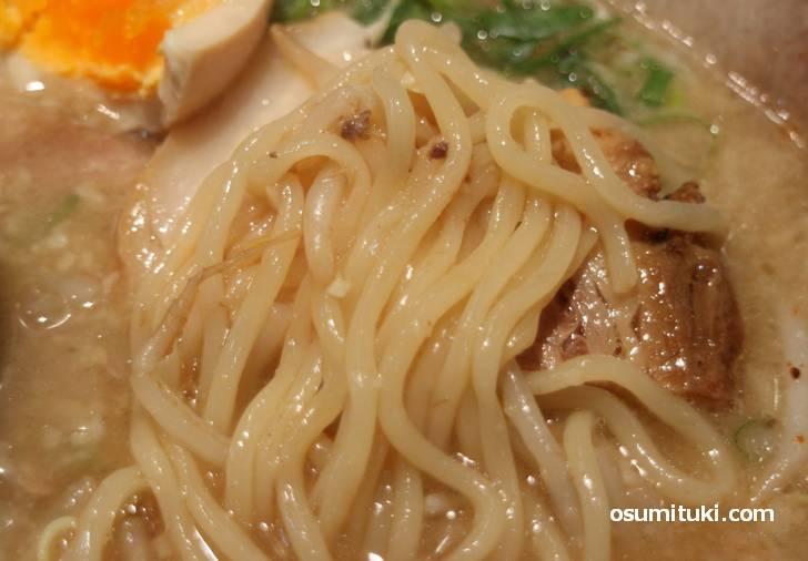 よく伸びる麺がタピオカ麺の正体