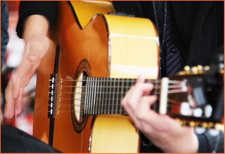 ギターの弾けるCafe ふらっと @愛知・岡崎市が『人生の楽園』で紹介