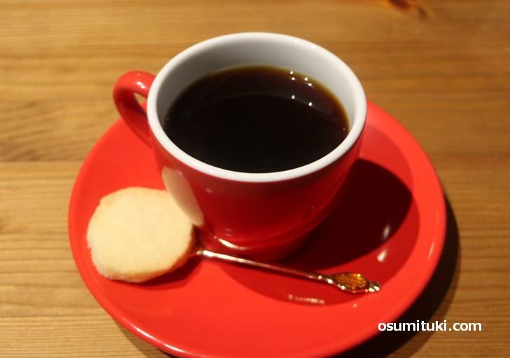 コーヒーは390円、ウニールの焙煎豆をハンドドリップで
