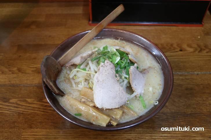 日本初の白味噌ラーメン(新進亭)
