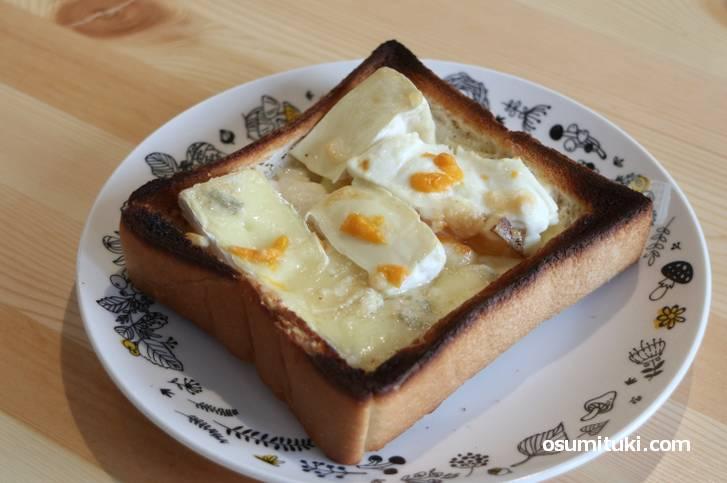 採算度外視のチーズトースト