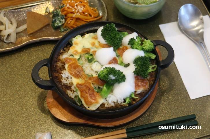 スパイス感は優しめで、野菜や肉の味を楽しむ鎌倉焼カレー