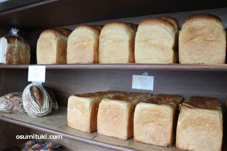 食パン(Bakery uki)