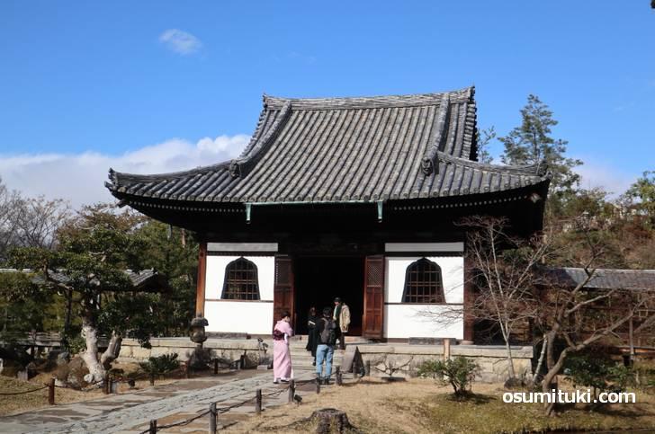 「開山堂」の内部には秀吉の船にあった天井が移築されている