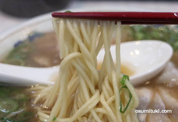 ラーメン藤なので近藤製麺の麺ですね