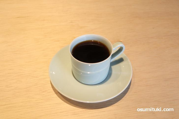 コーヒーは400円でハンドドリップ