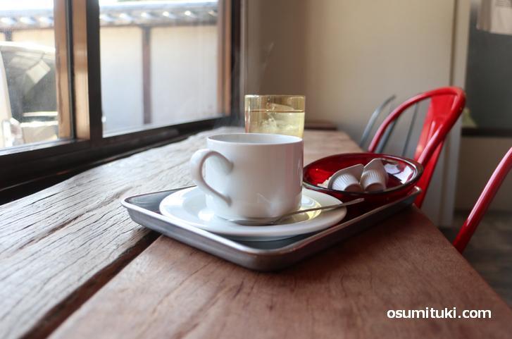 南禅寺エリアの高級別荘地すぐ近くにある落ち着いたカフェ