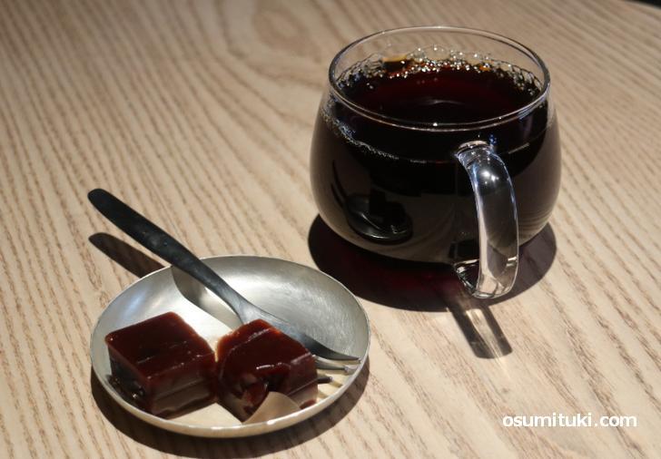 ブルーボトル羊羹とブレンドコーヒー