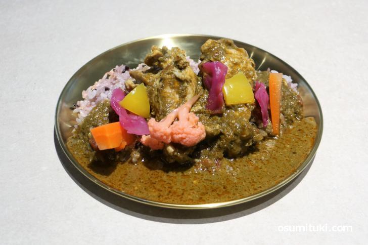 手羽元と彩り野菜のカレー(850円)