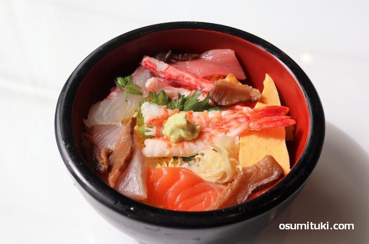 嵯峨嵐山で本格的な海鮮丼って珍しいかも