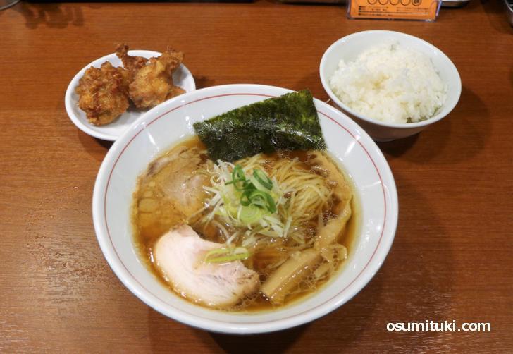 京都のラーメン店には「唐揚げ」がある