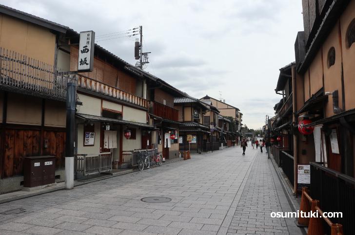 新型コロナで京都の観光客が少ないことがよく分かる「祇園(南側)」の写真(2020年2月28日撮影)