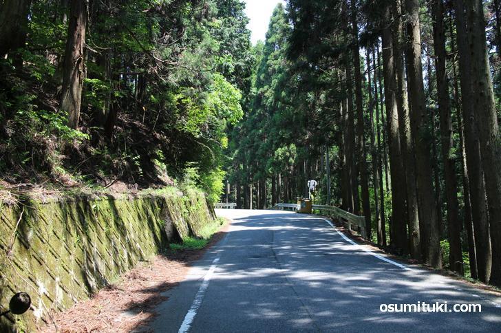 おそらく日本一急カーブな道がある国道477号(百井別れ)