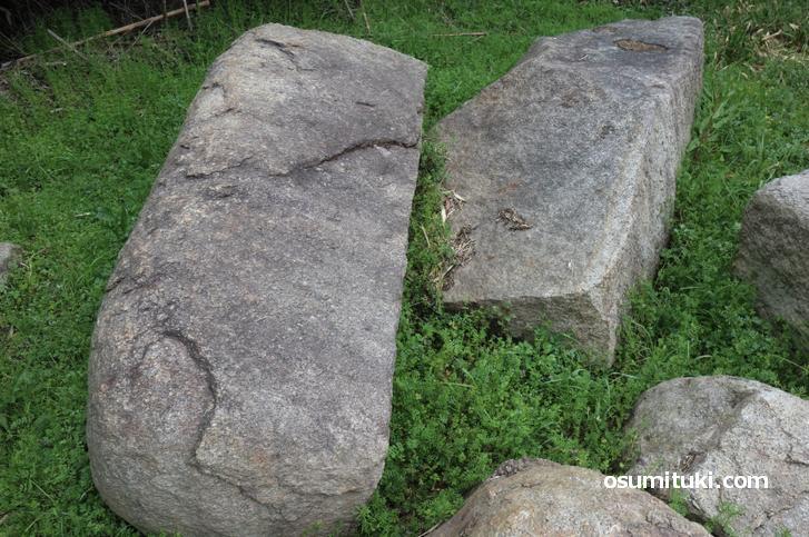 残念石の正体は400年ほど前に備蓄されていた大阪城の石垣