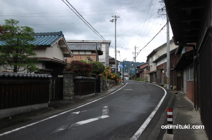 三重県伊賀市の平田宿にある理髪「ヘアーサロン イナモリ」が人生の楽園で紹介