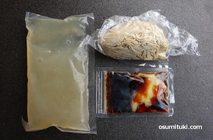 定番ラーメン「鶏醤油らぁ麺」のオンラインストア商品(内容)